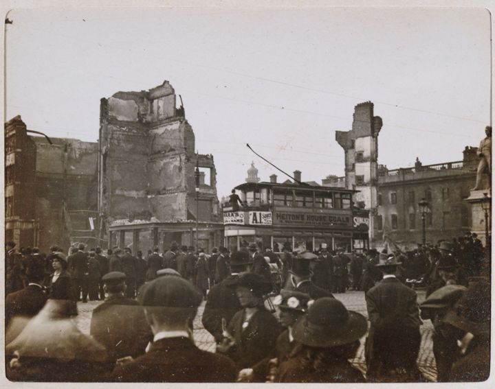 1916 rising Some magnificent poetry has emerged from the easter rising, from participants, onlookers and others writing over the century since 1916.